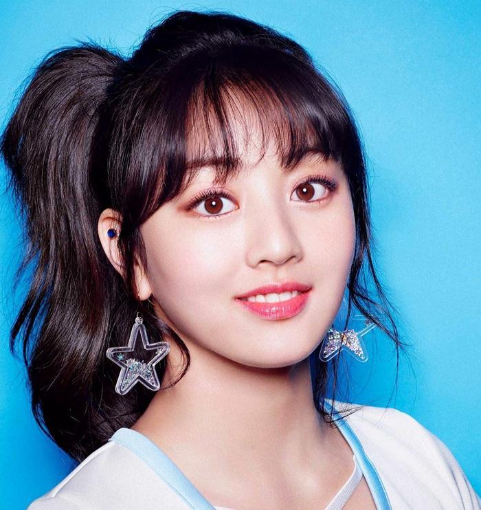 Jihyo (Singer)  Age, Wiki, Height, Weight, Boyfriend, Bio, Networth...World Super Star Bio